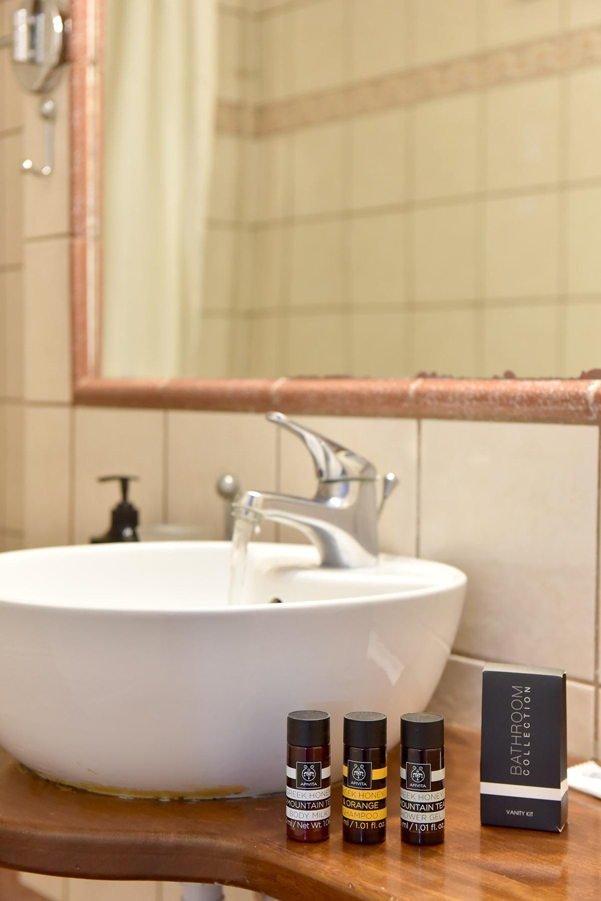 διαμονή στην ύδρα | Piteoussa Rooms & Co